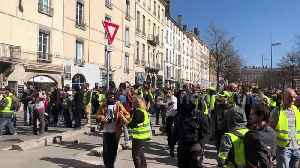 """Yellow vests"" clash with police on streets of Lyon, France [Video]"