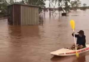 Kayakers Explore Flooded Town After Cyclone Lashes Australia's Pilbara Region [Video]