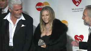 News video: Barbra Streisand apologises for comments about Michael Jackson accusers