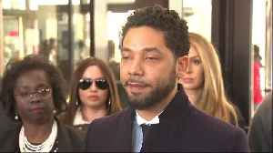 Jussie Smollett addresses reporters after charges dropped [Video]