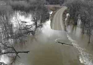Roads Remain Submerged in Le Sueur as Minnesota River Flooding Continues [Video]