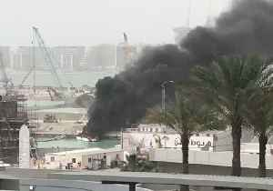 News video: Fire Destroys Yacht at Dubai Marina