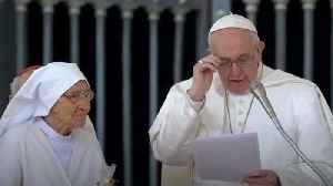 Watch: Pope offers a kiss to nun who has delivered 3,000 babies [Video]