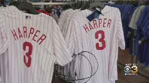 Fans Rush To Get Phillies Gear Before Thursday's Opening Day [Video]