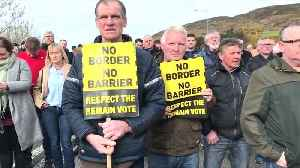 Mock customs point set up at anti-Brexit Ireland border protest [Video]
