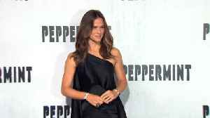 Jennifer Garner teases fans with memoir reveal [Video]