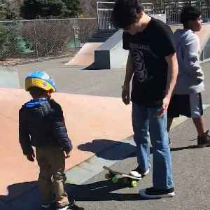 New Jersey teenagers teach 5-year-old boy with autism how to skateboard on his birthday [Video]
