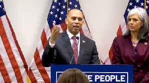 Rep. Hakeem Jeffries Says Pres. Trump is 'Hustling' the American People [Video]