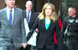 Huffman, Loughlin appear before federal judge [Video]
