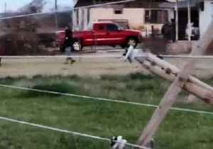 Powerlines Collapse After Severe Thunderstorm Rips Through Oklahoma [Video]