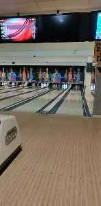 Guy Knocks Down All Pin at Once While Bowling [Video]