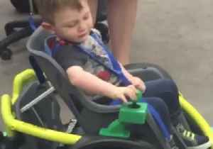 High School Robotics Team Builds Electric Wheelchair for Toddler [Video]