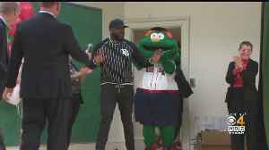 David Ortiz Surprises Kids At Dorchester School With Red Sox Hats [Video]
