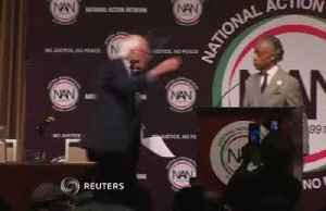 2020 Dems court black voters at NYC event [Video]