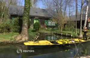 Any mail today? Look out for Germany's only postal boat [Video]