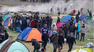 Greek Police Clash With Migrants, Block Access to Border Route [Video]