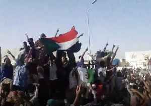 News video: Crowds Gather Outside Military Headquarters in Khartoum for Second Day to Protest Against Government