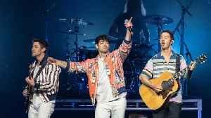 The Jonas Brothers Treated Fans To A Surprise Mini-Concert At A College Bar Friday Night [Video]