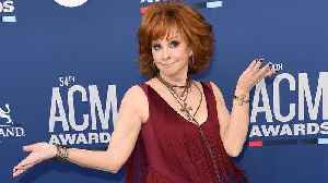 Party Crasher! Reba McEntire Crashes Dan + Shay's ACMs Interview [Video]
