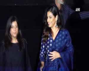 Zoya Akhtar Vidya Balan shares stage for Critics Choice Film Awards [Video]