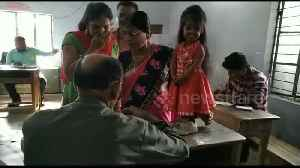 World's smallest woman casts her vote in world's largest election in India [Video]