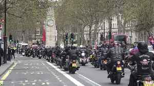 Cenotaph used as a 'bike park' as thousands of motorcycles rally in London [Video]