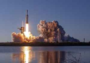 SpaceX's Falcon Heavy Rocket Makes First Commercial Flight [Video]