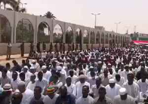 Friday Prayers Held During Sit-in Protest Outside Sudan's Military Headquarters [Video]
