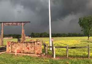 Tornadic Storm Rolls Over Fields Near Franklin [Video]