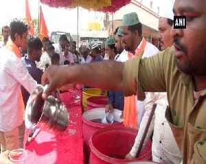 Muslim community distributes juice at Ram Navami procession in Karnatakas Kalaburagi [Video]