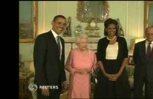 Michelle Obama charms British crowd with praise for Queen Elizabeth [Video]