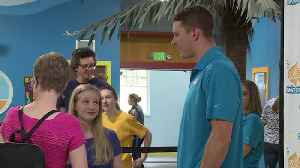 3-Time Olympic Gold Medalist Visits Young Swimmers in Virginia [Video]