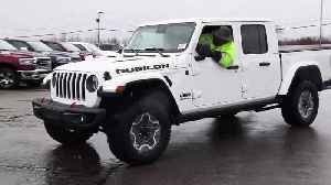 2020 Jeep Gladiator Begins Shipping to U.S. Dealers [Video]