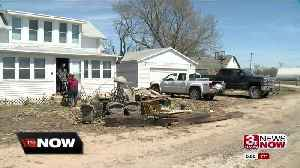 Pacific Junction families returning to see home damage [Video]