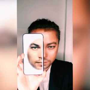 Woman transforms herself into male celebrities using just makeup [Video]