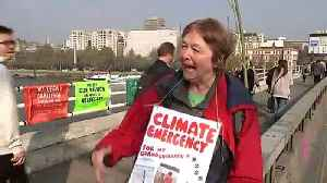 News video: Climate protesters block off Waterloo Bridge