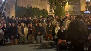 Parisians Gather in Song as Notre Dame Burns [Video]