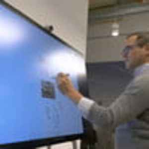 Microsoft Surface Hub 2 Hands On Review [Video]
