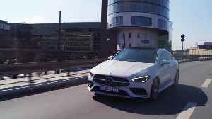 Mercedes-Benz CLA 220 d Coupé Driving in the city [Video]