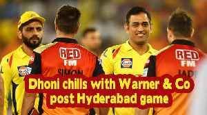 News video: IPL 2019 | Dhoni chills with Warner & Co post Hyderabad game