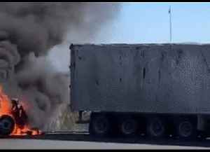 Truck Bursts Into Flames in Bombay, Auckland [Video]