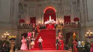 San Francisco's Famed Beach Blanket Babylon To End After 45 Year Run [Video]