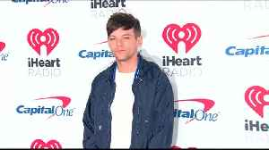 News video: Louis Tomlinson back in the studio after mourning sister's death