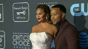 Chrissy Teigen slams online troll who called her 'chubby' [Video]