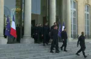 Notre-Dame firefighters 'honored' at Elysee Palace [Video]