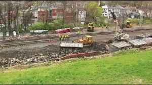 VIDEO: Cleanup of trash-hauling train that derailed in Wyomissing draws dozens of onlookers [Video]