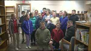 Students donate to benefit La Crescent Library [Video]