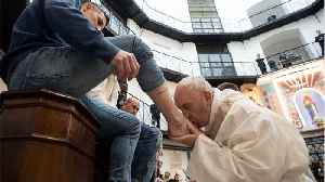 Pope Francis Washed Feet Of Prisoners At Holy Thursday Service [Video]