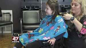 Hair stylist offering free haircuts during Autism Awareness Month [Video]