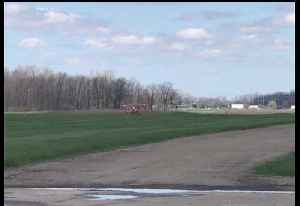 Pilot Suffers Minor Injuries After Small Plane Crash in Indiana [Video]